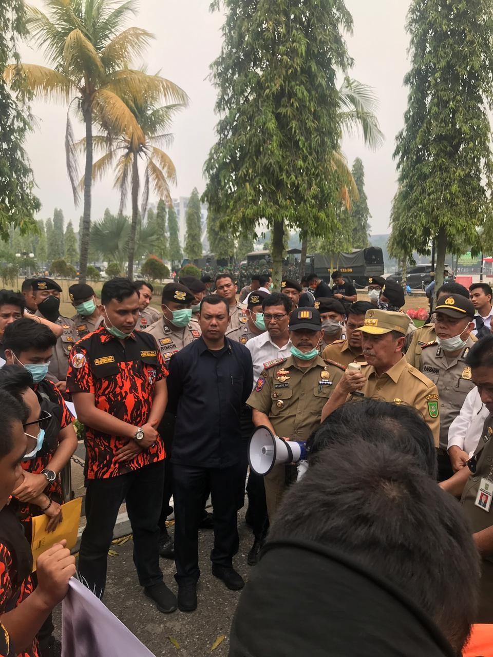 SATMA PP Pekanbaru demo Ke Kantor GUBRI